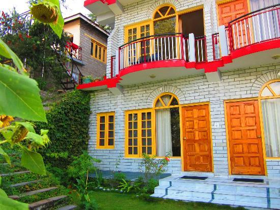 Poornima Guest House: Hotel from outside