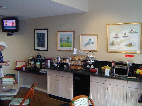 The Whaler's Inn: Breakfast Buffet