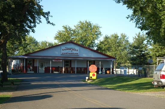 Candy Hill Campground: Camp Office & Store