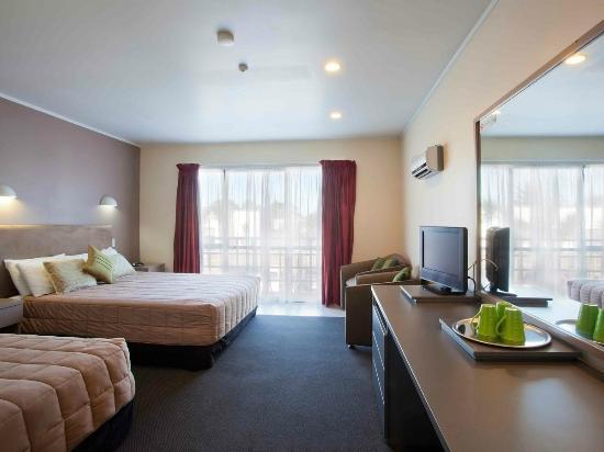 Auckland Airport Kiwi Hotel: Room