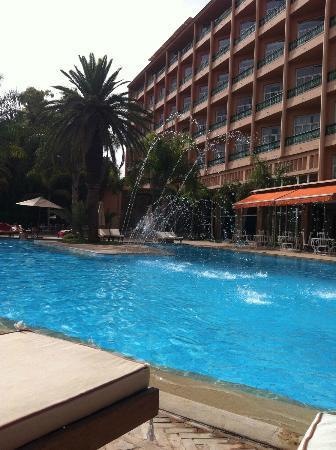 Es Saadi Gardens & Resort - Hôtel: Piscine le jour