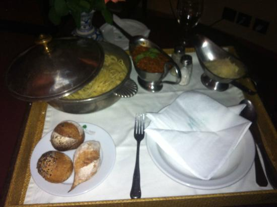 Es Saadi Gardens & Resort - Hôtel: pate à la bolo du room service