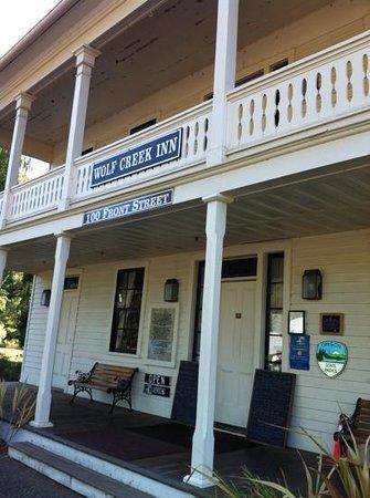 Wolf Creek Inn: exterior