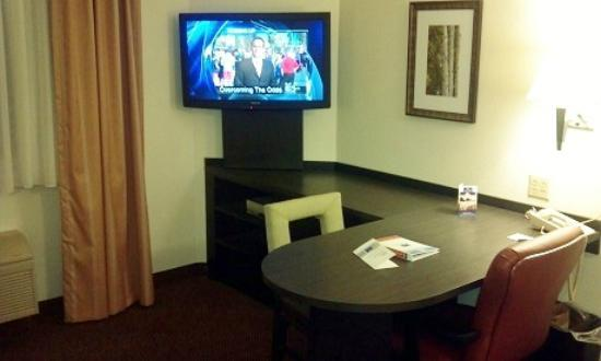Candlewood Suites Philadelphia / Willow Grove : Main Room - Bed and Faux Leather Recliner not pictured