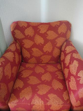 Fairfield Inn Visalia Sequoia : Ugly chair