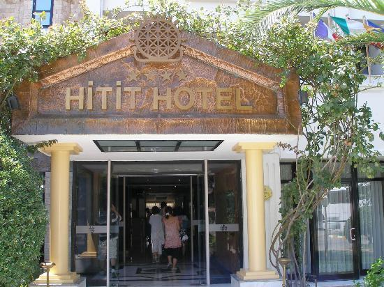 Hitit Hotel : Entrance to hotel