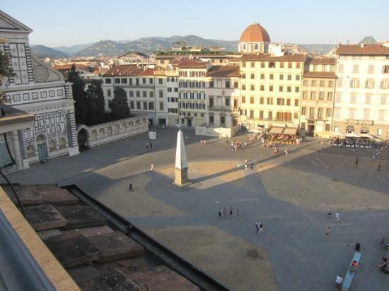 Grand Hotel Minerva: Piazza facing room view