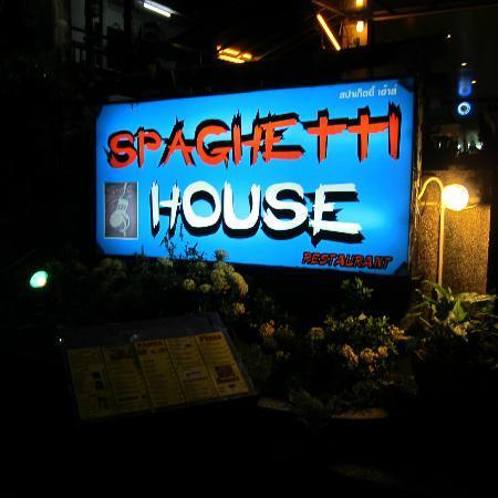 Spaghetti House: restaurant sign