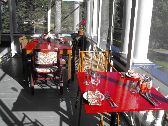 Le Provincialart: terrasse
