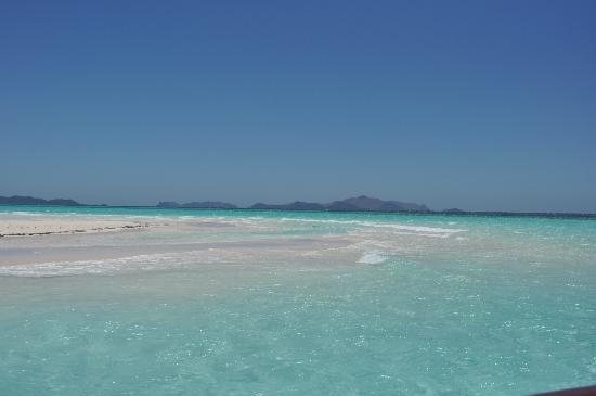 Amanpulo: Beach