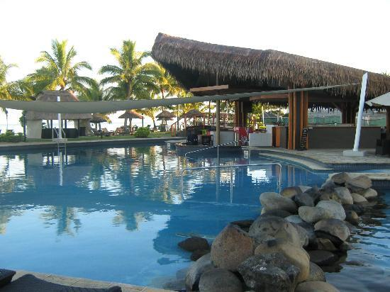 Wyndham Resort Denarau Island: The new pool bar