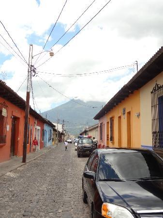 Posada Los Bucaros: Street right outside the hotel