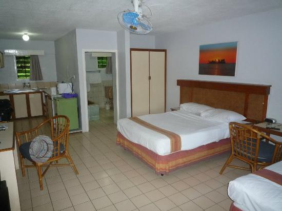 Suva Motor Inn : Bedroom