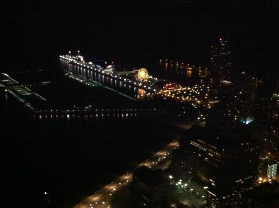 360 Chicago Observation Deck: Navy Pier