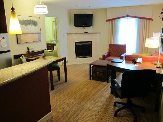 Residence Inn Duluth: One Bedroom Suite - living space