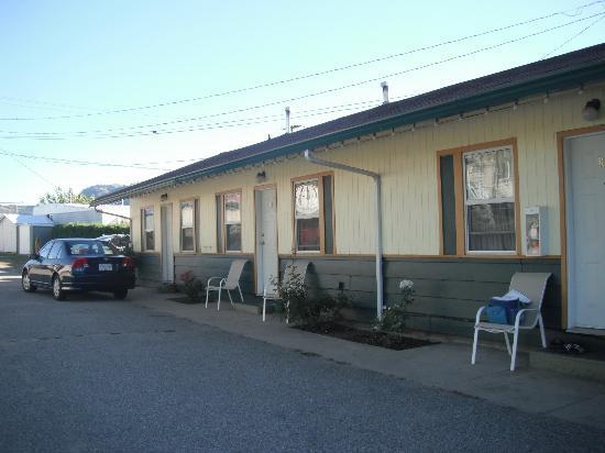 Boundary Motel