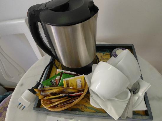 لا كاسا دي آمي بد آند بركفاست: Coffee & Tea making facilities