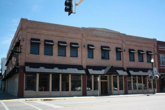 Sabir's Buffalo Grill: Beautiful building on the corner of 1st Avenue and 1st Street in downtown Jamestown, ND
