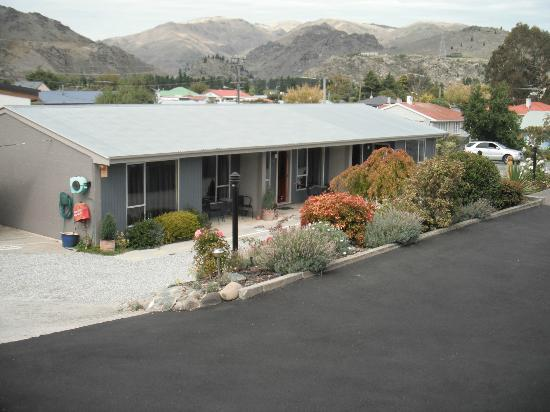 Central Gateway Motel: lower motel block