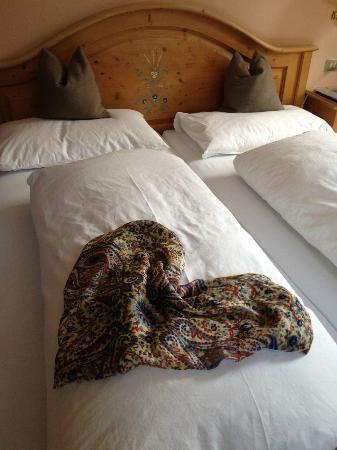 Hotel Stella Stern: La creatività delle signore delle pulizie: ogni giorno una piccola sorpresa nel sistemare la sta