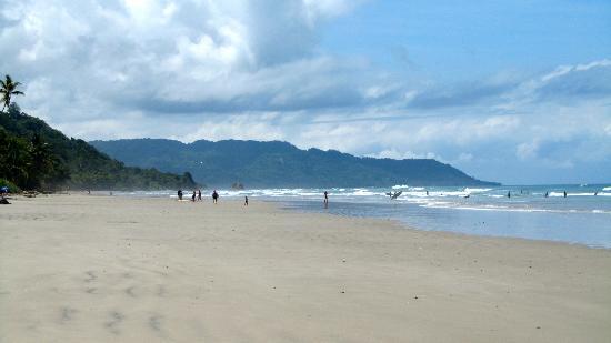 Hotel Meli Melo: La plage à quelques pas de l'hôtel.