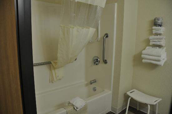 Days Inn Wall: Badezimmer, behindertengerecht