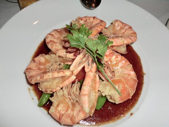 Chai's Island Bistro: spicy prawns