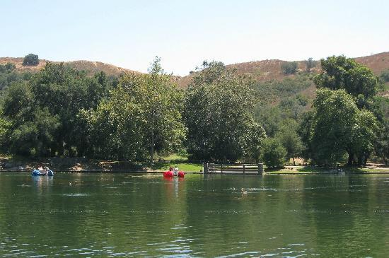 Irvine Regional Park: Hills are dry some summers
