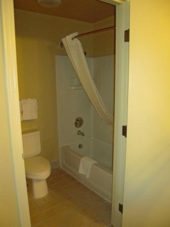 Oxford Suites Chico: VERY CLEAN