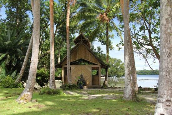 Tavanipupu Private Island Resort: The massage bure