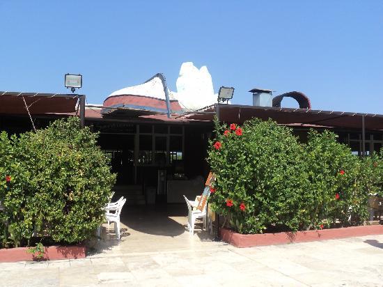 Sailor's Beach Club: The restaurant
