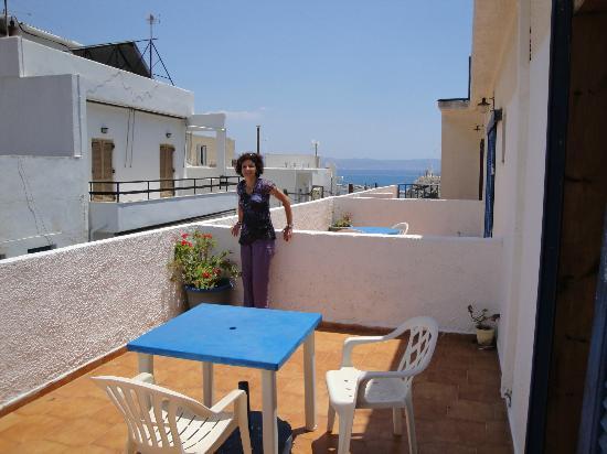 Hotel Rea: Magnifique terrasse sur donnant sur les toits, trop chaud et bruyant la nuit