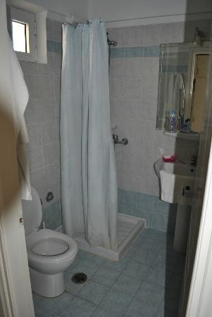 Ξενοδοχείο Πέτρος: Bathroom