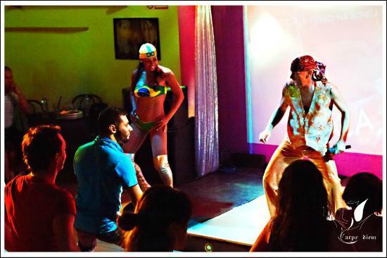 Brasilcafe: balli di gruppo curati dal coreografo cesar
