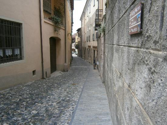 Avigliana, Italy: Is one path on the side better than two in the middle?