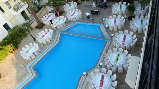 Petousis Apartments : άψογη οργάνωση και για δεξιώσεις