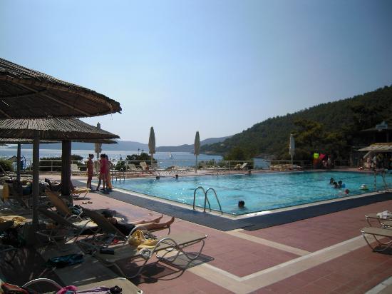 Hapimag Resort Sea Garden: zona piscina sul mare