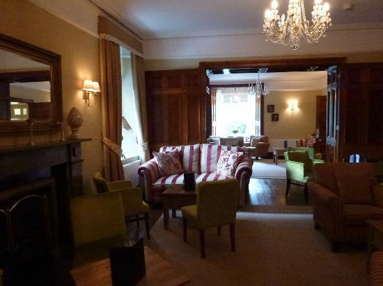Grasmere Hotel: View through Lounge