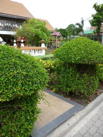 Jomtien Garden Hotel & Resort: Grounds