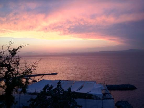 Piano di Sorrento, Italia: il tramonto dal Klien Wien