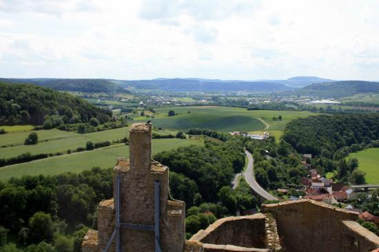 Trimburg : Blick ins Saaletal