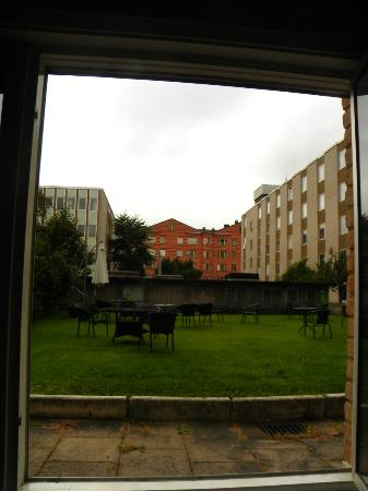 Profilhotels Hotel Uppsala: View onto 'sun garden' from our window