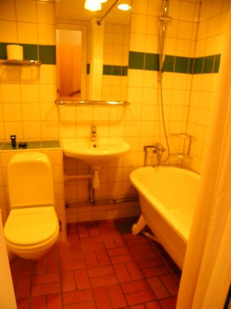 Profilhotels Hotel Uppsala: Bathroom
