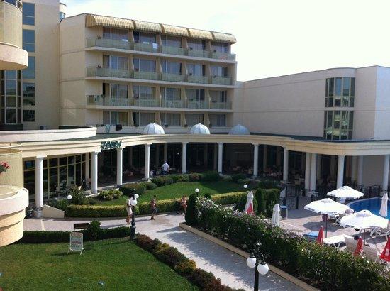 Rodopi Hotel: The entrance