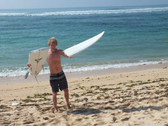 Wave Guru Bali Surf Camp: Spot X casualty (Nick sorted me out with a board to borrow!)