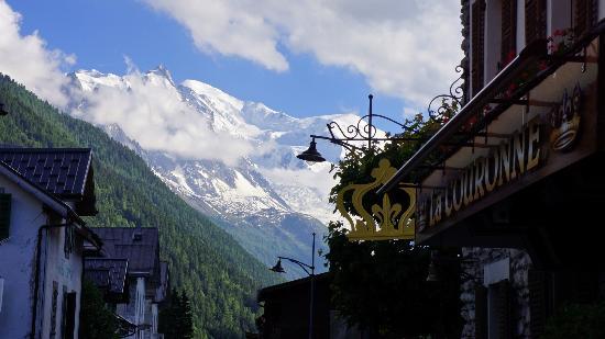 Hotel de La Couronne : vue Mont Blanc de l'hôtel