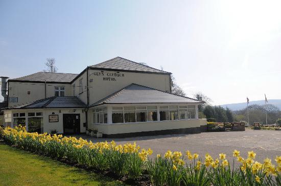 The Glyn Clydach Carvery: Hotel Grounds
