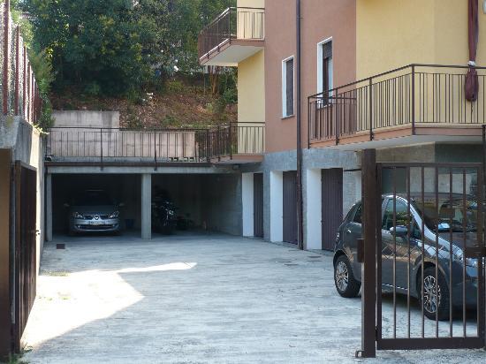 B&B Sibi : accès vehicules boxes et garages