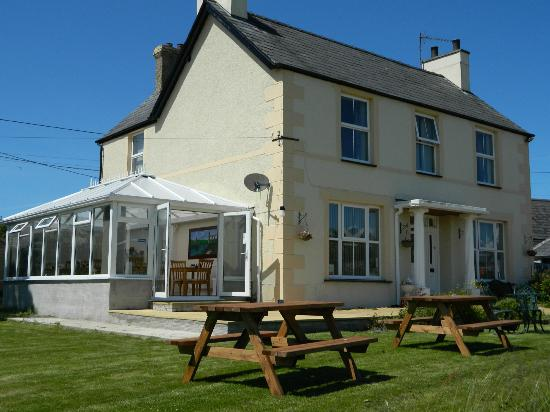 Taldrwst Bed & Breakfast - 01248 430291