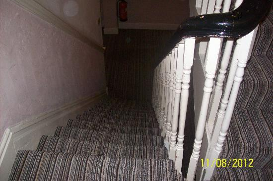 Tiffany's Hotel Blackpool: Stairs, slope to the right,